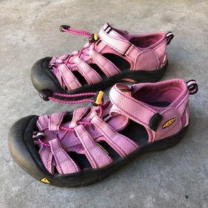 KEEN Womens 5 Hiking Sandals